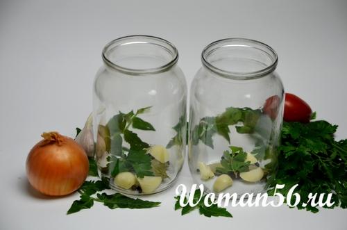 банки для салата из помидор и лука