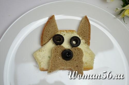 бутерброды с красной икрой в виде собаки