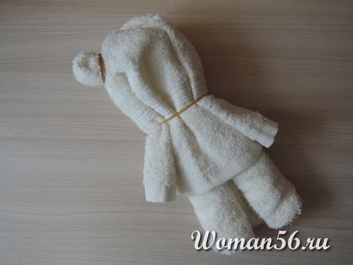 делаем ушко медвежонка из полотенца