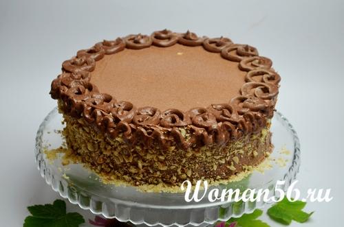 украшаем киевский торт с орехами