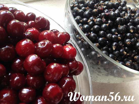 свежая вишня и смородина для компота