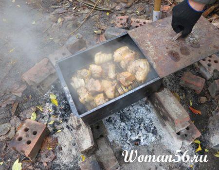 курица горячего копчения - в коптильне