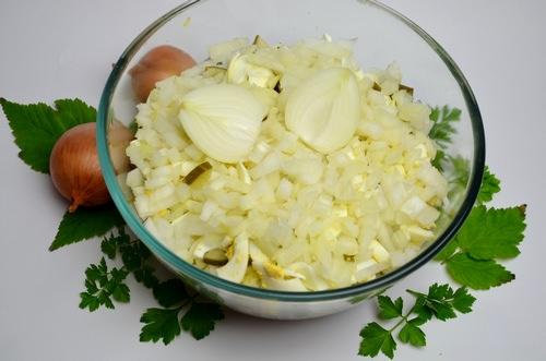 лук для салата с сайрой