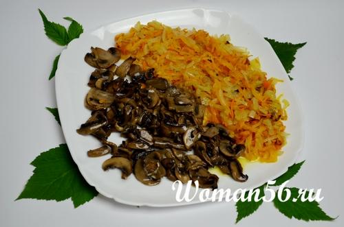 обжаренные лук морковь грибы