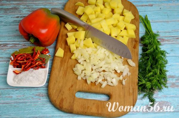 картофель с луком для супа