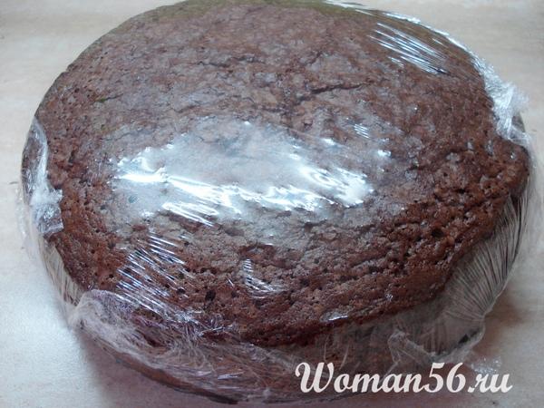 шоколадный корж для торта в пленке