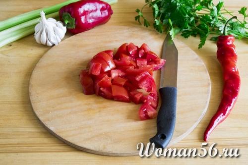 нарезанный помидор для супа