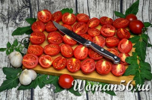 нарезанные помидоры для вяления