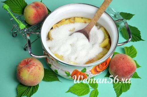 персики с сахаром