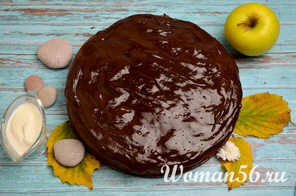 шарлотка в шоколадной глазури