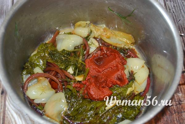 тушеные овощи для соуса с ботвой